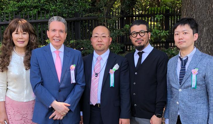 デーブ・スペクター夫妻と一緒に写真/2018年桜を見る会